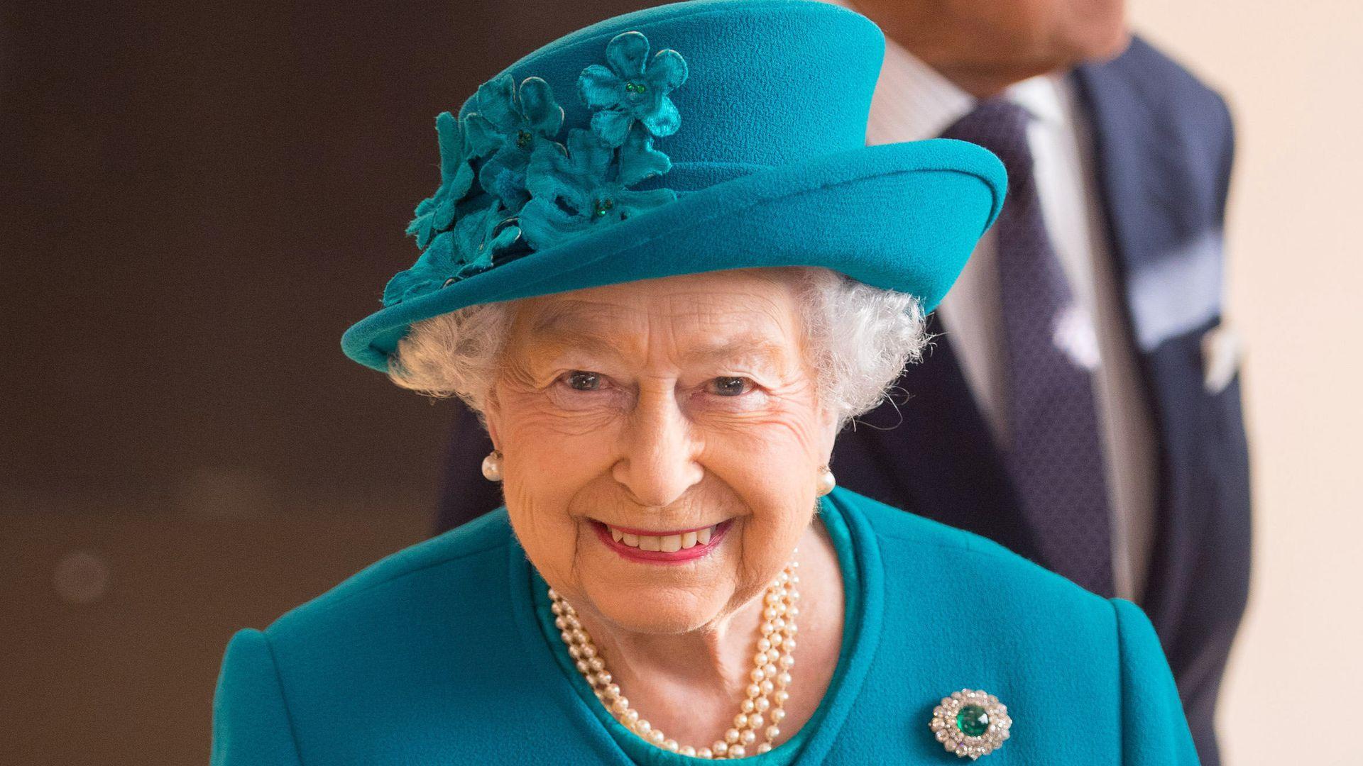 wer h tte das gedacht die queen rei t einen trump witz. Black Bedroom Furniture Sets. Home Design Ideas