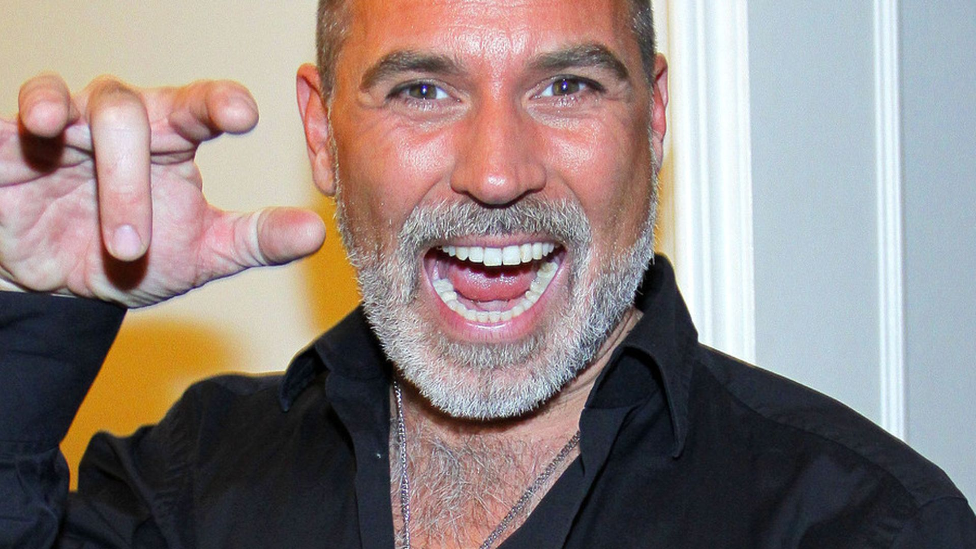 Frank Liess froonck matthée trägt jetzt grauen rauschebart promiflash de