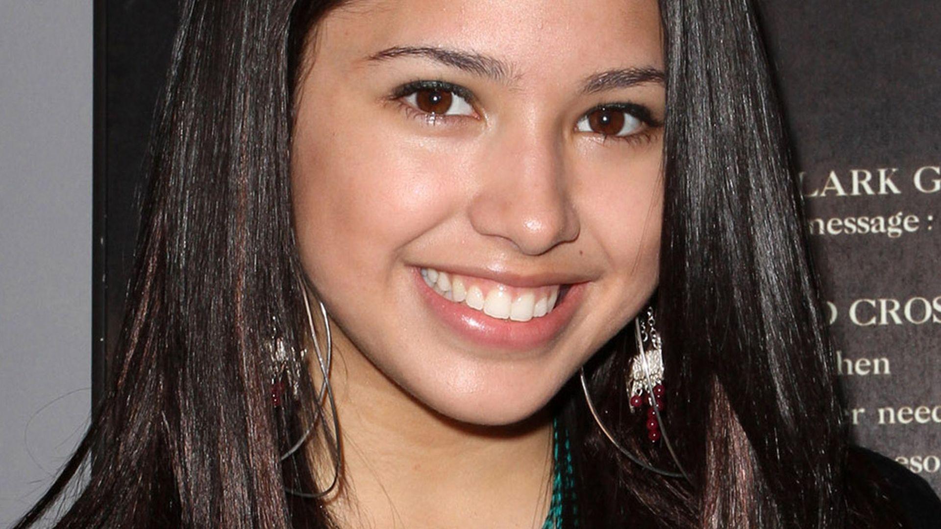 Stalker will <b>Jasmine Villegas</b> töten! - jasmine-villegas-strahlt