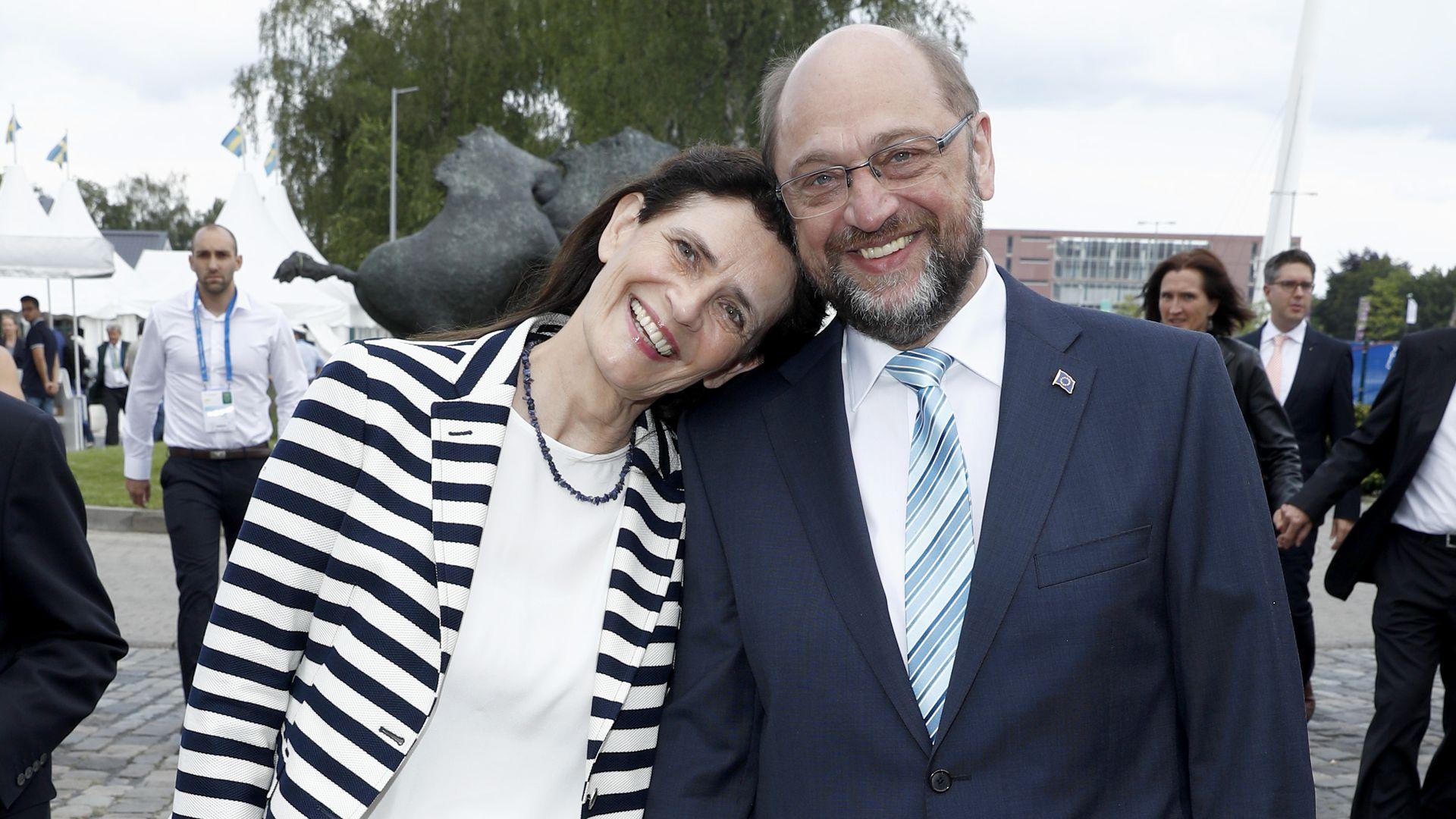 Kanzlerkandidat Martin Schulz Schul Abbruch & Sprach Genie