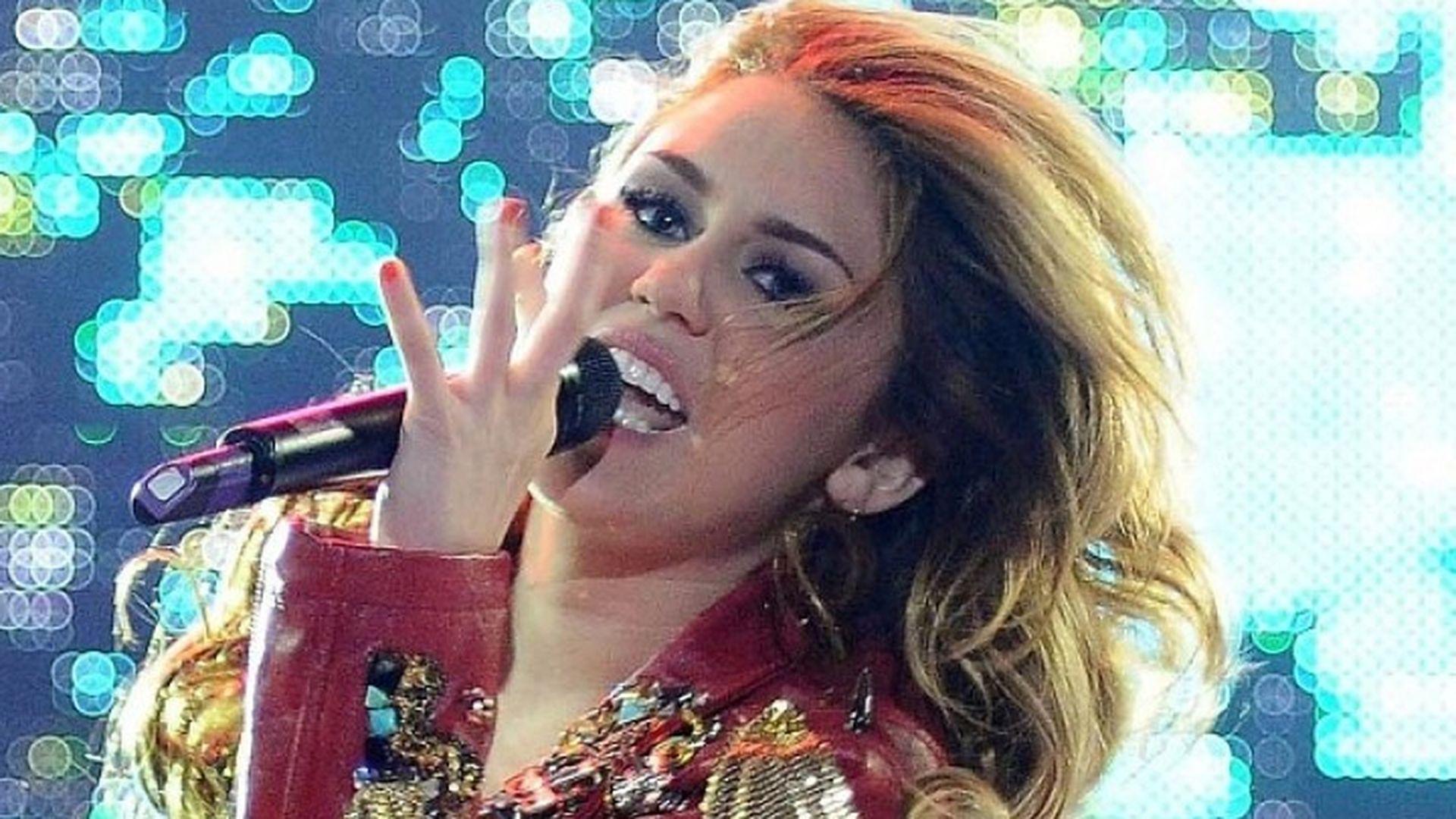 Miley Cyrus Sex Tep - Handy Pornos - NurXXXmobi