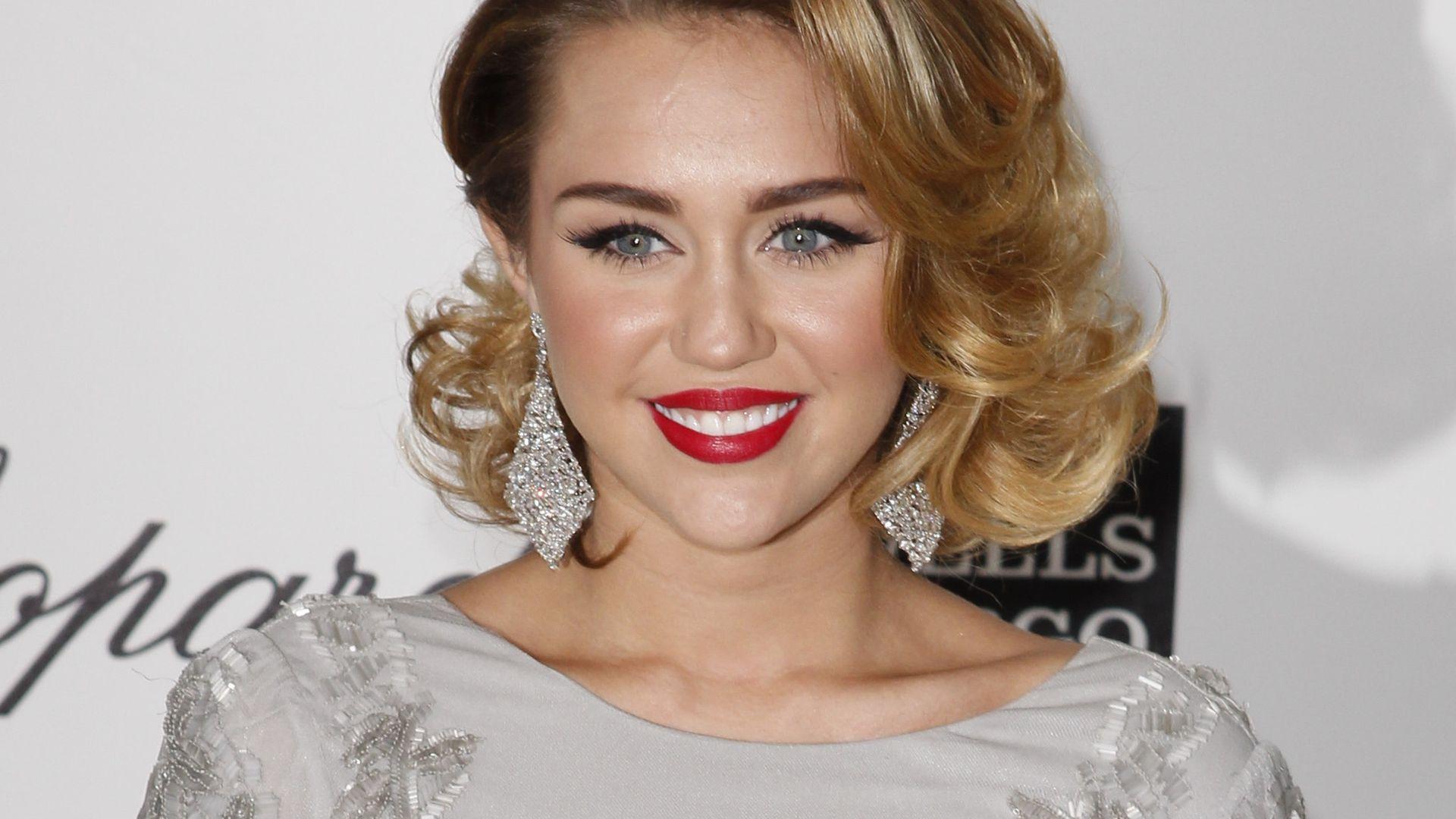 Sexy Vs Fremdscham Le Nouveau Clip De Miley Cyrus-1190