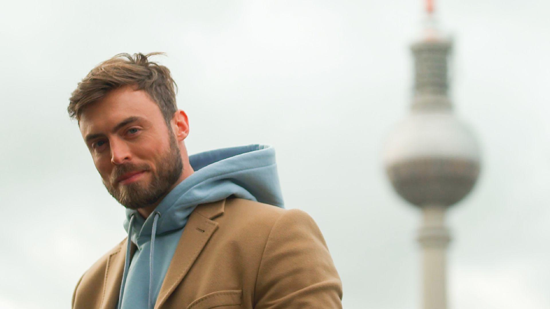 Fans genervt: Bachelor Niko datet immer nur dieselben Girls - Promiflash.de