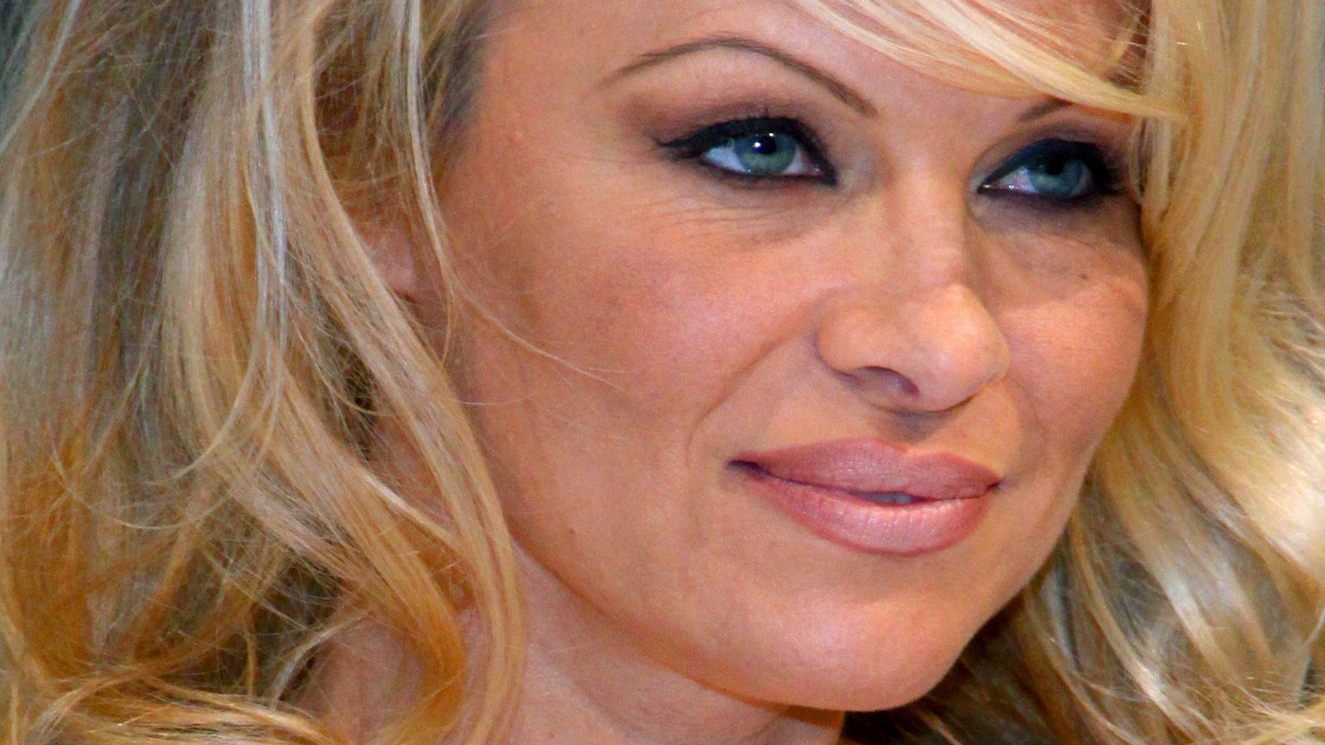Pamela anderson - FAP VID - Gratis Pornos