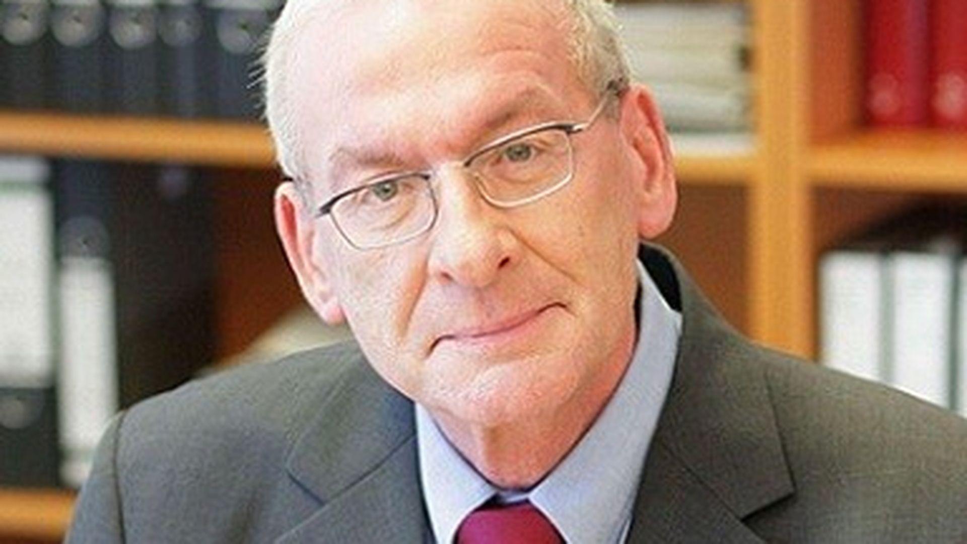 Peter Zwegert