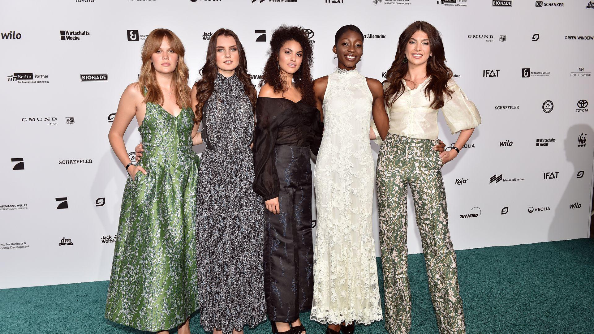 Gntm halbfinale extravagante haute couture f r die m dels for Haute kuki und die markise