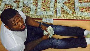 Pleite mit Humor: 50 Cent posiert mit Geldscheinen