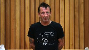 Schon wieder! AC/DC-Drummer wird festgenommen