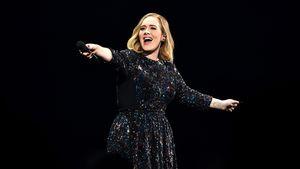 Adele auf einem Konzert in Birmingham