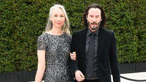 Deshalb färbt Keanu Reeves' Freundin ihre grauen Haare nicht