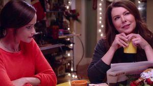 """Alexis Bledel und Lauren Graham als Rory und Lorelai im """"Gilmore Girls""""-Trailer"""