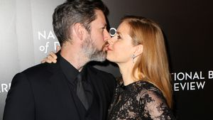Amy Adams und Darren Le Gallo beim Küssen