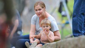 Süßes Spieldate: Amy Schumer tollt mit Söhnchen Gene herum
