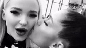 Dove Cameron (l.) und Ariana Granda