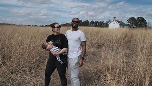 Süß! Ashley Graham mit Baby und Mann beim Spaziergang