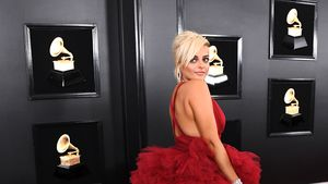 Nach Dick-Kritik: Bebe Rexhas Wow-Auftritt bei den Grammys