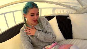 """Bibi Heinicke im Video von RedOne zu """"Don't You Need Somebody"""""""