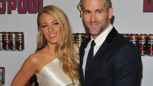 Blake Lively und Ryan Reynolds posieren zusammen
