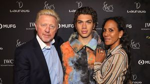 Mit Mama Barbara & Papa Boris: Elias Becker feiert 19. B-Day
