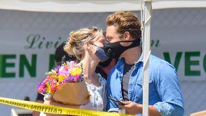 Mundschutz stört nicht: Brie Larson knutscht ihren Freund ab