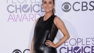 Camilla Luddington bei den 43. People's Choice Awards