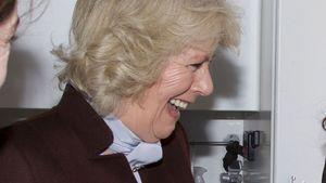 Zum Schießen! Camilla mit Knarre am Film-Set