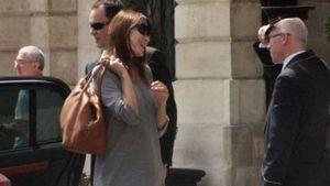 Carla Bruni zeigt ihren Baby-Bauch