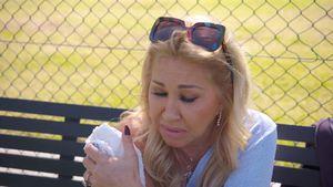Sehne entzündet: Carmen Geiss verletzt sich beim Tennis!