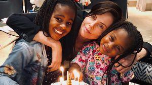 Sohn nun Mädchen: Charlize Theron gratuliert zum Tochter-Tag
