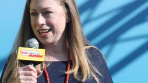 Wunderschön! Chelsea Clinton mit praller Babykugel