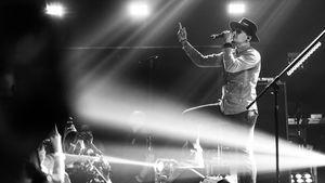 Chester Bennington 2017 bei einem Konzert in Burbank