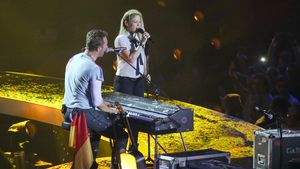 Chris Martin und Shakira in der Barclaycard Arena in Hamburg