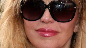 Courtney Love: Eigener Vater hält sie für schuldig