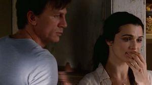 Daniel Craig und Rachel im gruseligen Trailer