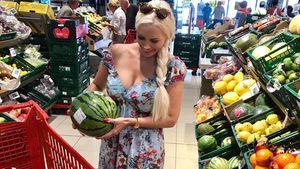 Daniela Katzenberger im Supermarkt