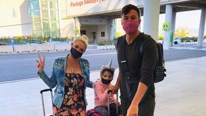 Pink und im Einhorn-Style: So reist die Katze mit Familie
