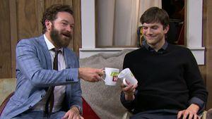 Danny Masterson und Ashton Kutcher prosten sich zu