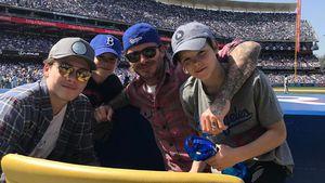 David Beckham mit seinen Söhnen beim Dodgers-Spiel