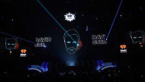 David Guetta belohnt Nackedei mit Ticket für lau
