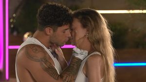 """""""Love Island""""-Dennis ärgert sich über den Kuss mit Isabell"""