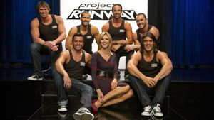 "Heidi Klum mit den Jungs von Thunder from Down Under bei ""Project Runway"""