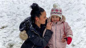 Wie putzig: Elena Miras teilt süßes Foto mit Aylen im Schnee