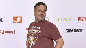 """Wegen """"tv total""""-Ära: Elton ist seinem Sohn peinlich!"""