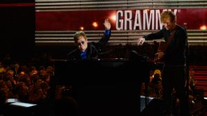 Elton John und Ed Sheeran bei den 55. Grammy-Awards in LA
