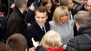 Emmanuel Macron mit seiner Frau Brigitte Trogneux bei einem Wahlkampf-Termin