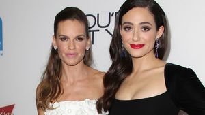 Hilary Swank & Emmy Rossum: Sexy Red Carpet-Duo