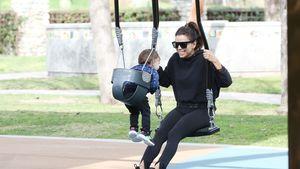 Mama-Sohn-Spaß: Hier schaukelt Eva Longoria mit Santiago (1)