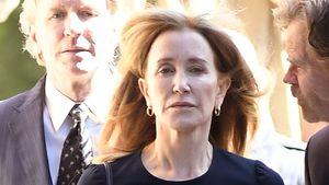 Lachnummer? Felicity Huffmans Haft Thema bei Emmy-Awards