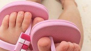Gisele Bündchen tobt mit Töchterchen in den Wellen