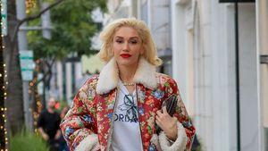 Weiße Boots & rote Lippen: Gwen Stefani ist ein Xmas-Cowgirl